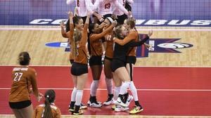 DI Women's Volleyball: Texas shocks Nebraska