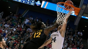 Best Dunks from Thursday's First Round