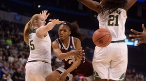 Women's Basketball: Mississippi State moves on to Final Four