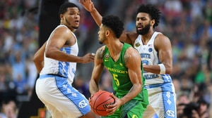 Final Four: UNC outlasts Oregon