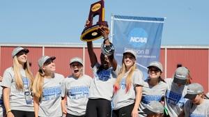 Washington University wins the 2017 DIII Women's Outdoor Track & Field Championship