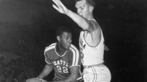 Elgin Baylor boosts Seattle to 1958 title...