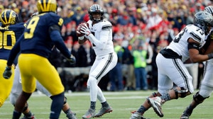 College Football: Ohio State tops foe Michigan