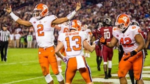 College Football: Clemson beats South Carolina