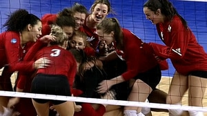2017 DI Women's Volleyball: Nebraska wins in 4 sets against Kentucky