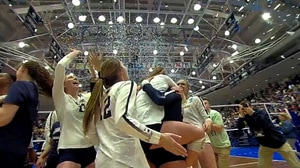 2017 DI Women's Volleyball: Penn State shuts out Michigan State 3-0