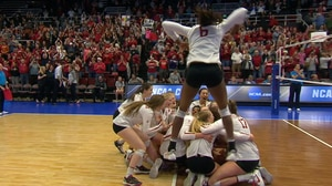 2017 DI Women's Volleyball: Stanford Handles Texas