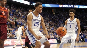 DI Men's Basketball: Kentucky edges past...