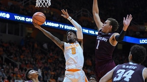 Tennessee stays hot while Texas A&M...