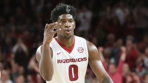 Arkansas continues dominant play at home...
