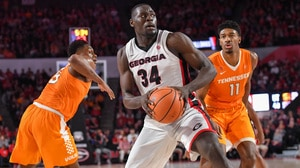Georgia handles No. 18 Tennessee at home