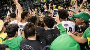 Oregon knocks off No. 14 Arizona in overtime
