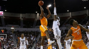 No. 16 Tennessee takes down Mississippi State