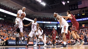 Auburn wins first SEC regular-season title since 1999