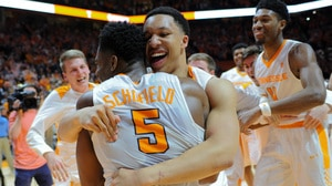 Tennessee clinches share of SEC title for first time in 10 years