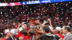 Arizona dunks its way past USC for their second straight Pac-12 Tournament Championship