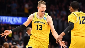 Watch all the 3-pointers Michigan dropped...