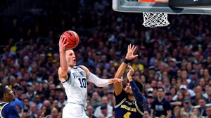 Watch Donte DiVincenzo's career night in National Championship